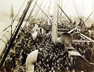 SS Manchuria (1903) - U.S. Army troops on board Manchuria leaving France to return to the United States.