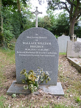 Wallace Brigden - Wallace Brigden's grave at St Andrew's church, Totteridge.