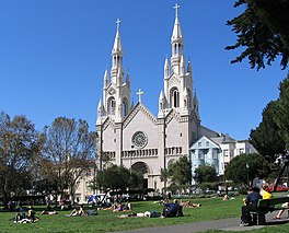 Washingtonsquare sf cathedral.jpg