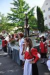 Welfenfest 2013 Festzug 109 Tanz um den Marktbrunnen.jpg