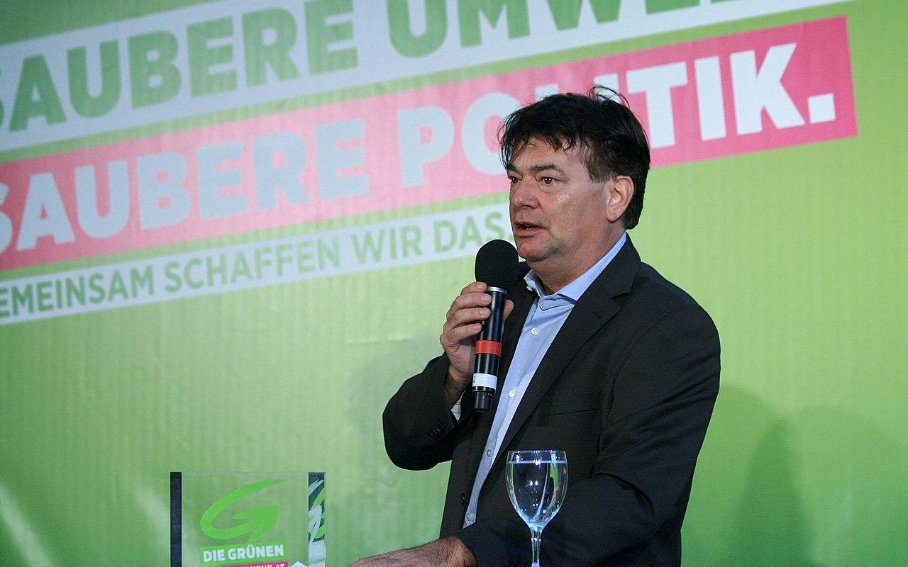 Werner Kogler Wahlkampfauftakt Grüne Nationalratswahl 2013 Österreich 2.jpg