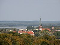 Widok z wieży obserwacyjnej ze Świątek na zamek kościół pw NNMP oraz wieżę ciśnień..JPG
