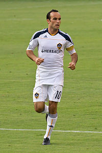 donovan playing for the la galaxy in 2010