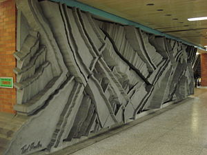 Wilson station (Toronto) - Canyons sculpture by Ted Bieler