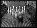 Women Bowling (2870338513).jpg