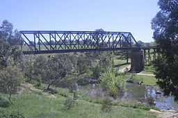 Yass River rail bridge 2.jpg