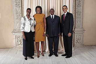 Uganda–United States relations - Yoweri Kaguta Museveni with the Obamas in 2009