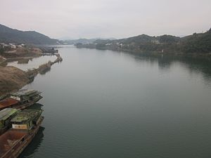 Zi River - Picture of Zi River in Lengshuijiang, Hunan.