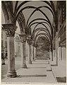 Zuilengang van het Paleis van de Rector te Dubrovnik Ragusa. Portico del Palazzo dei Rettori. (titel op object), RP-F-1919-180.jpg