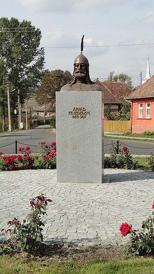 Árpád - Árpád's statue in Székelybere (Bereni, Romania)