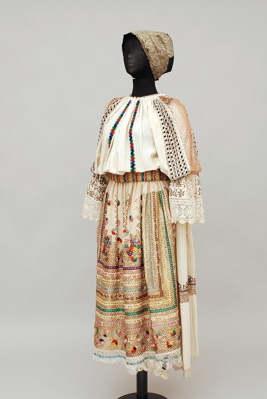 Šokci folk costume
