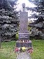 Štarnov-pomník-TGM-na-návsi2013.jpg