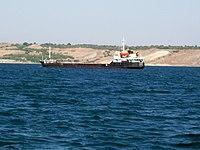 Сухогруз Ivory (проект 1557 Сормовский) в Керченском проливе, август 2007 г..jpg
