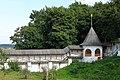 Фрагмент стены изнутри и башня в Вознесенском Печерском монастыре.jpg