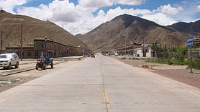 国道318 State Road 318 China Xinjiang Urumqi Welcome you to tour the - panoramio (20).jpg