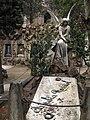 036 Tomba de la família Rusiñol, àngel d'Enric Clarasó.jpg