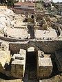 102 Accés occidental a l'amfiteatre romà.jpg