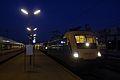 1047 007-8 + Dacia in Wien Westbahnhof.JPG