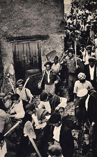 File:1950 Italian peasants.jpg
