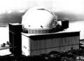 1985isaacnewtontelescopeoutside.png