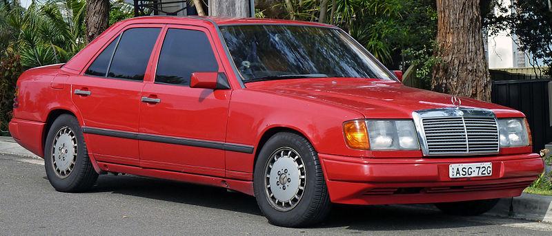 800px-1986-1989_Mercedes-Benz_%28W124%29