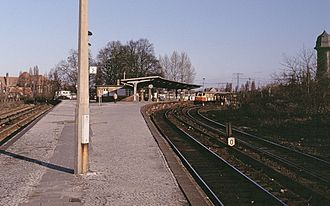 Ostkreuz - Platform A and the connecting curve to the northern Ringbahn (to the left) and the southern Ringbahn, 1991