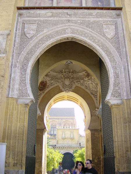 File:2002-10-26 11-15 Andalusien, Lissabon 157 Córdoba, Mezquita.jpg
