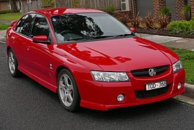 2005 Holden Commodore (VZ) SV6 sedan (2015-08-07) 01.jpg