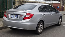 2013 Honda Civic (FB2 MY13) VTi-L sedan (2018-10-01) 02.jpg