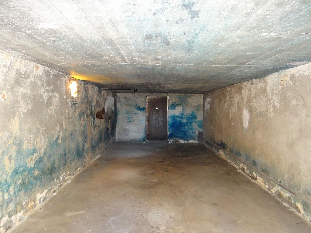 1024px-2013_KL_Majdanek_Baths_and_Gas_Ch