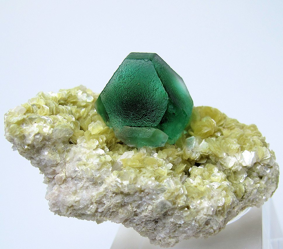3192M-fluorite1
