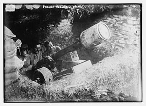 Mountain gun - Image: 80 mm French mountain gun with a 130 pound air mine attached