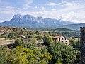 Aínsa - Castillo - Vista hacia Peña Montañesa.jpg