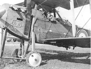 Armstrong Whitworth F.K.8 - The cockpit placement of the F.K.8