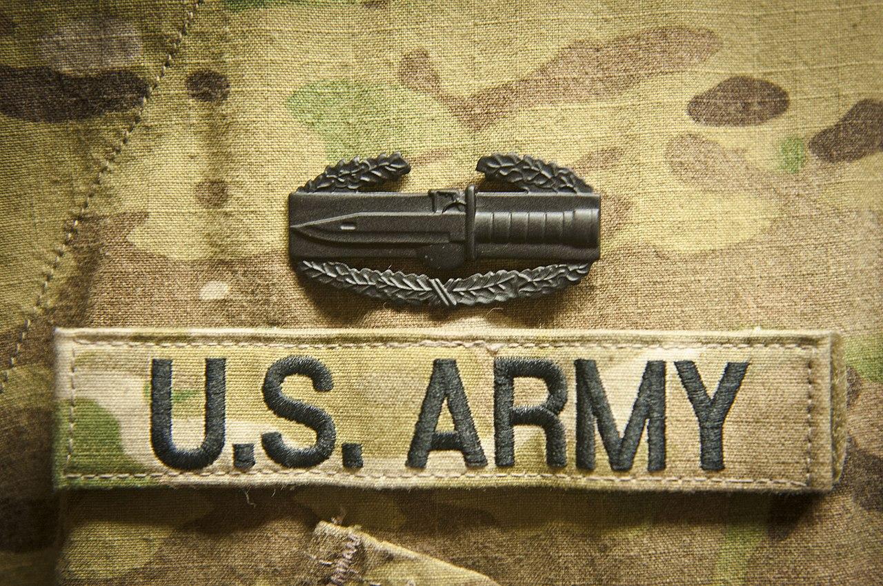 BROWN US ARMY DESERT COMBAT INFANTRYMAN CIB BADGE INSIGNIA