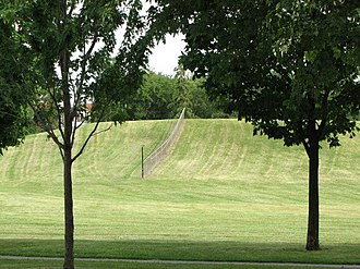 Toboggan - Image: A hill for tobogganing in the winter in Ahuntsic Park in Montrea
