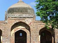 Afsarwala mosque, built in 1566 AD, near Humayun's tomb, Delhi.jpg