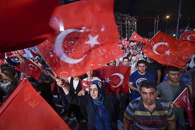 Писательница Аслы Эрдоган, получившая премию Эриха Марии Ремарка, не сможет поехать за ней в Германию