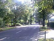 Kreuzungspunkt der ehemaligen Alwegbahntrasse mit der Neusser Landstraße