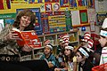Annette Conway reads to children (4422472296).jpg