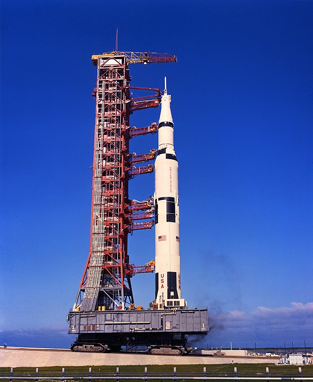 File:Apollo 11 rollout.jpg - Wikimedia Commons