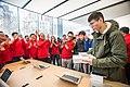 Apple Store (136286581).jpeg