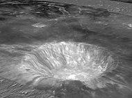 Bilder från Clementine av kratern Aristarchus och omgivning, placerad ovanpå en simulerad topografi