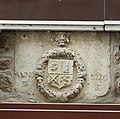 Armoiries (1629) sur le mur ouest de la villa Saint-Michel (Le Mont-Saint-Michel, Manche, France).jpg