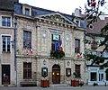 Arnay le duc mairie.JPG