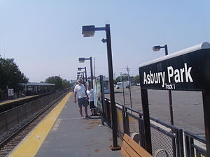 Asbury Park station - The Asbury Park station facing southbound towards the station shelters.