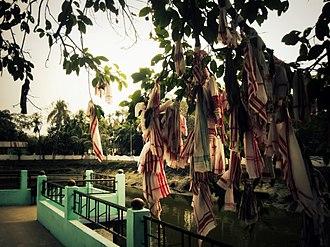 Gamosa - Gamosas hanging on a tree