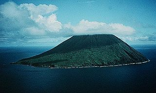 third northernmost island in the Northern Mariana Islands chain in the Pacific Ocean