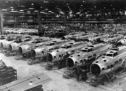 Boeing B-17E Flying Fortress bombers under construction, c. 1942 B-17Es at Boeing Plant, Seattle, Washington, 1943.jpg