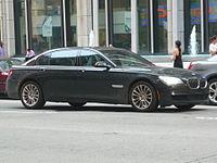 BMW 7-Series (15654591414).jpg